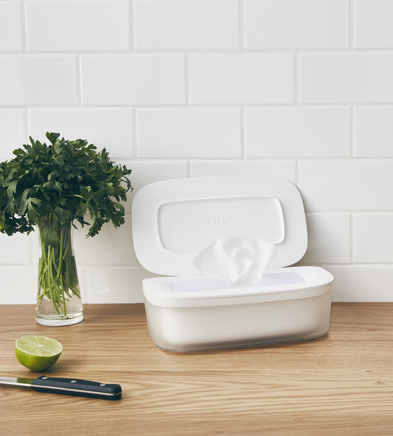 This new wipe is safe enough to clean your kitchen counters and your ode to clean wipes solutioingenieria Image collections
