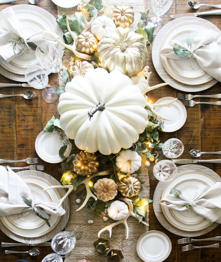 A Sophisticated Gilded Table Scape