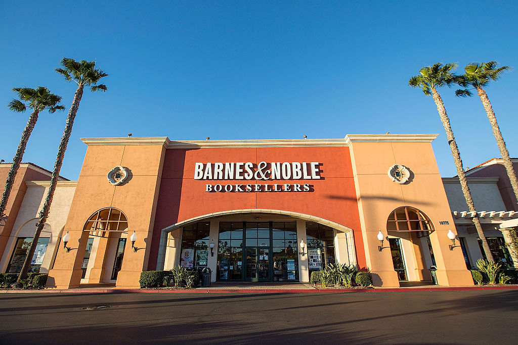 Barnes and Noble Exterior