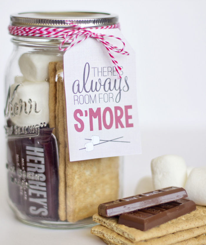 S'More Mason Jar - 51 Mason Jar Christmas Gifts And Craft Ideas