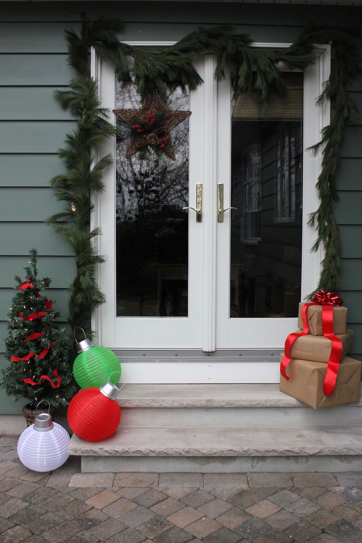 Giant ornaments on stoop