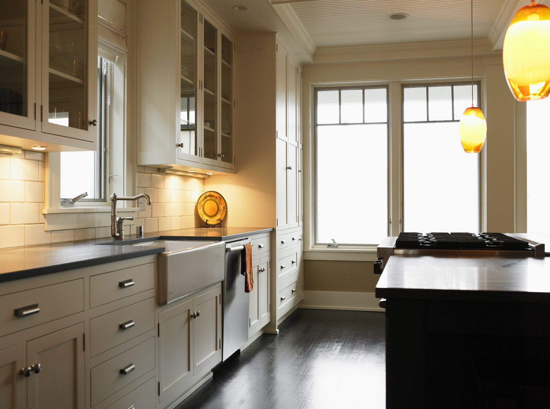 Under Cabinet Kitchen Lighting in beige kitchen & The $25 Lighting Hack That Transformed My Kitchen (And Didnu0027t ...