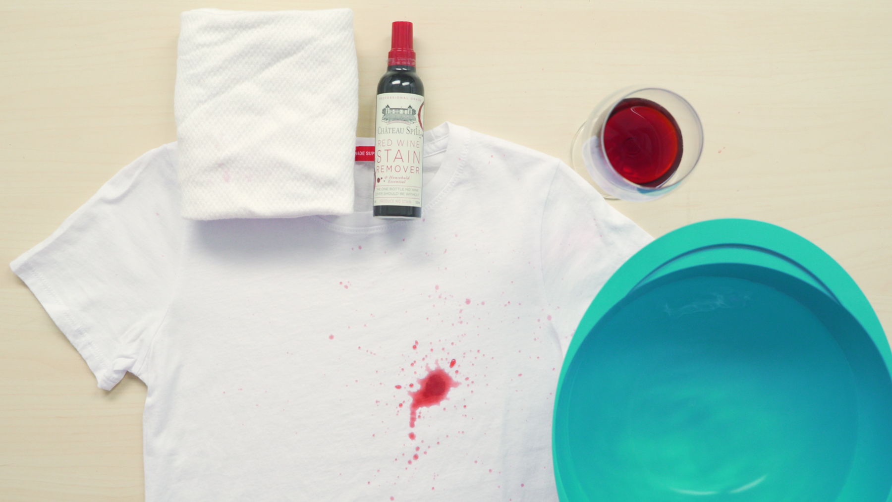 Fashion emergency (red wine stain)