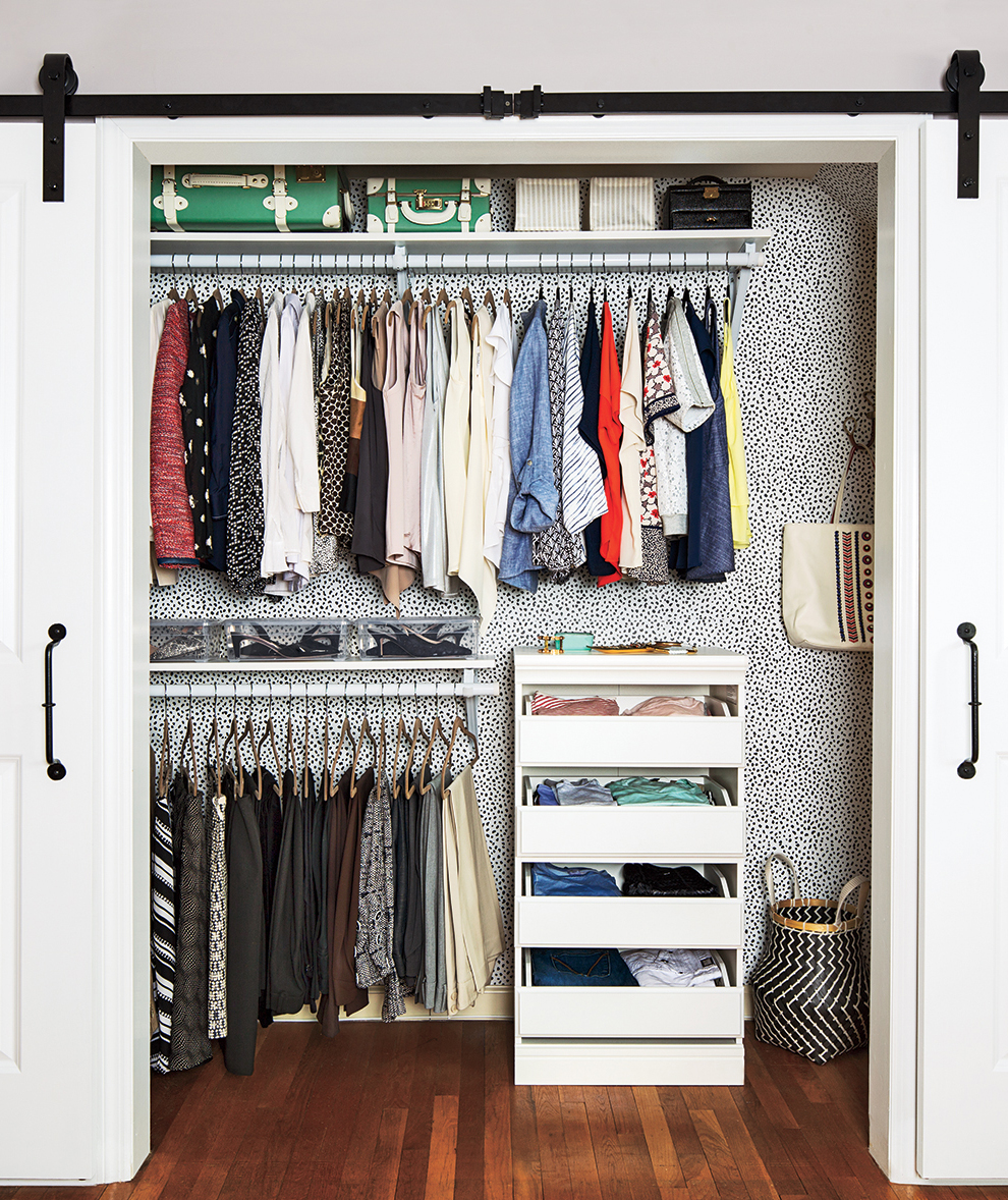 The Genius Hack That Will Organize Your Closet Instantly