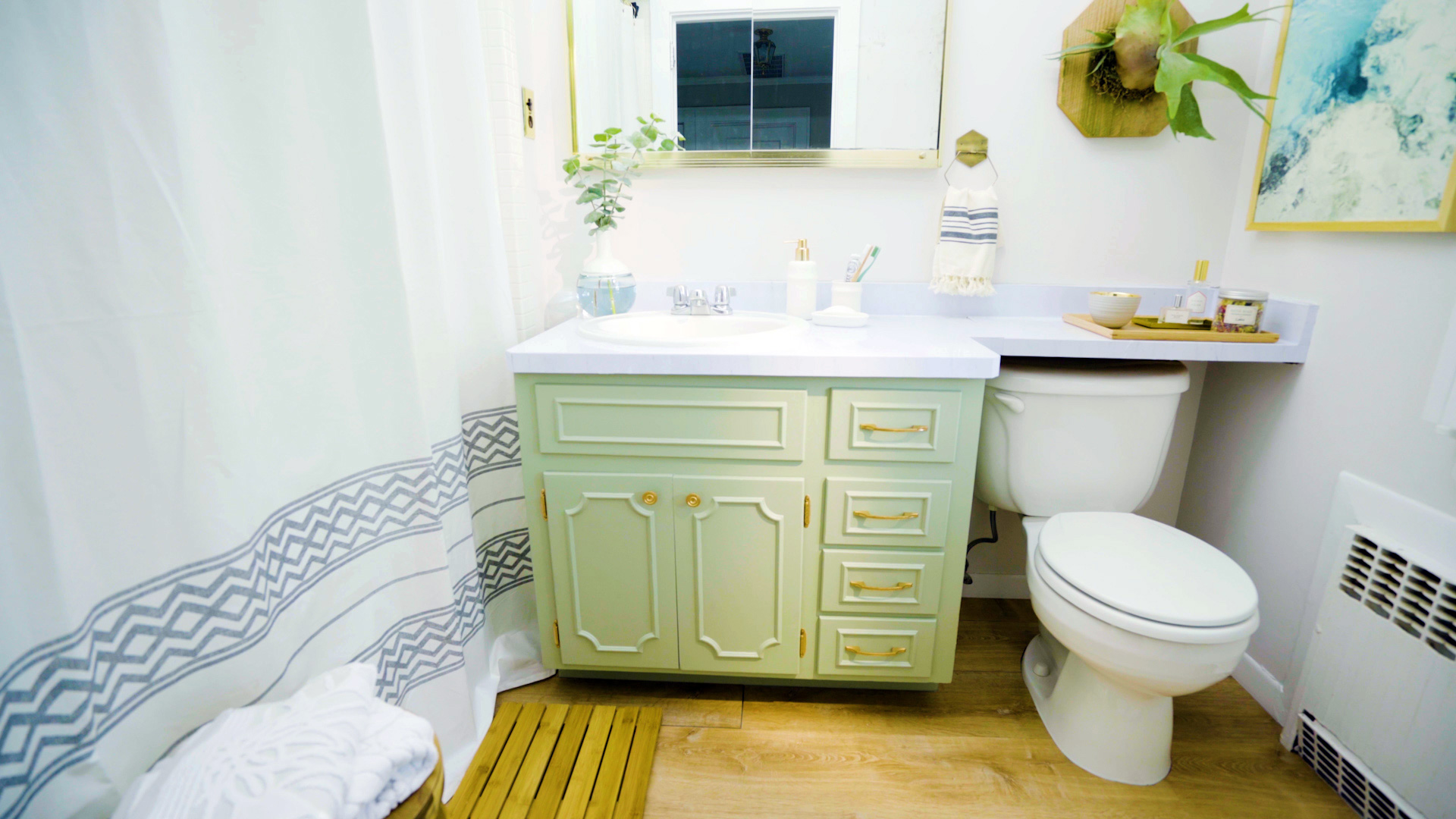 Video: 7 Simple Tricks to Make Your Bathroom Feel Like a Spa | Real ...