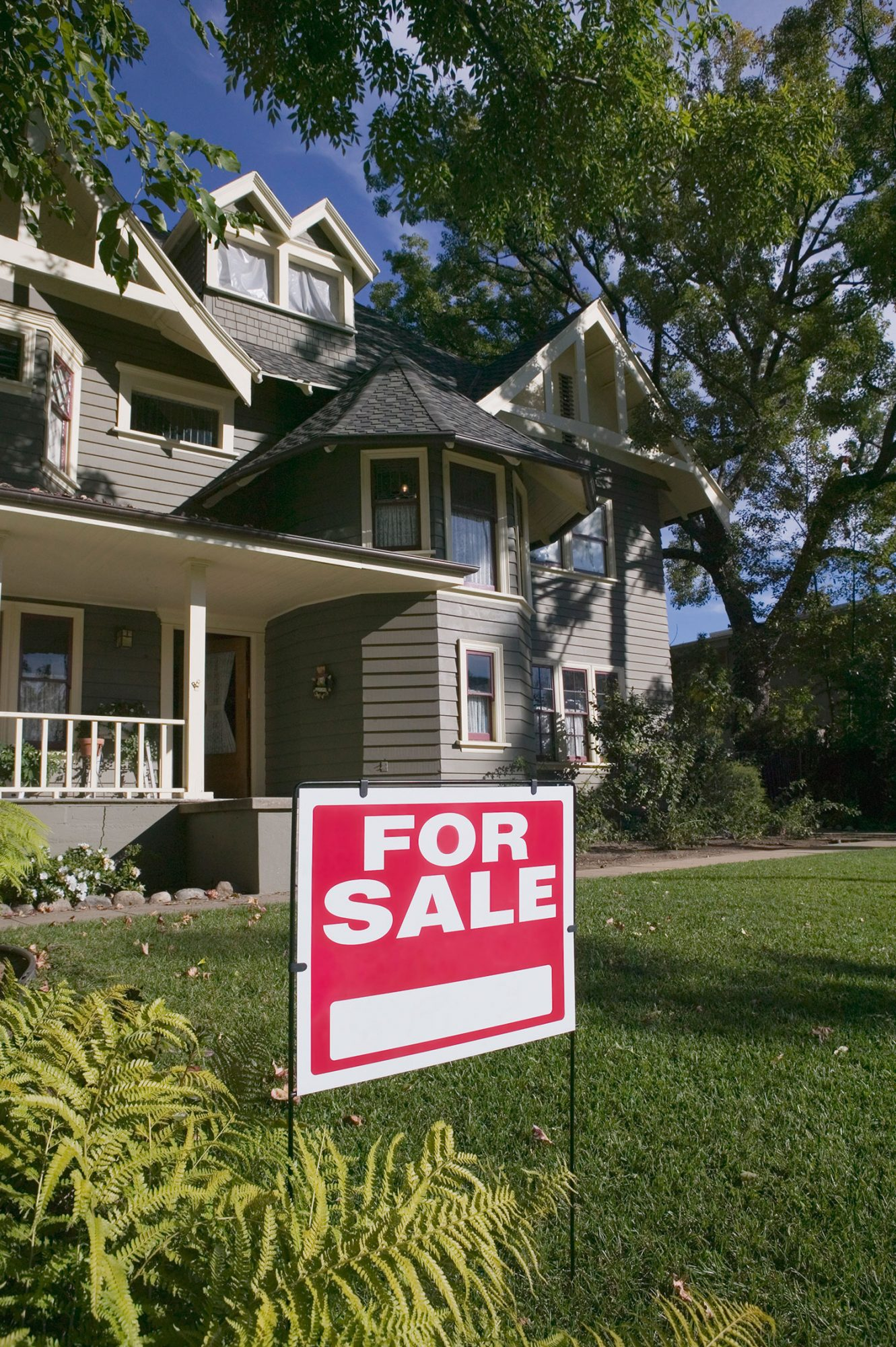 8 Secrets Only Real Estate Agents Know