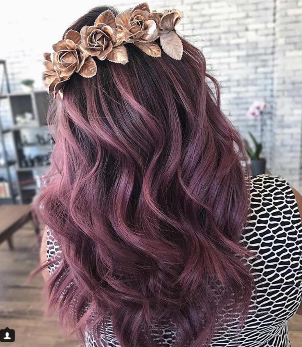 foto Rose Brown Hair is The Prettiest Spring Trend for Brunettes
