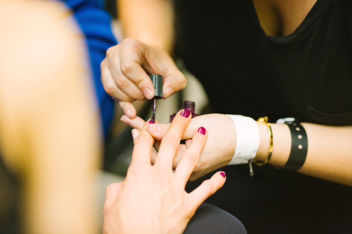 Cat Eye Manicures Are the Newest Nail Trend