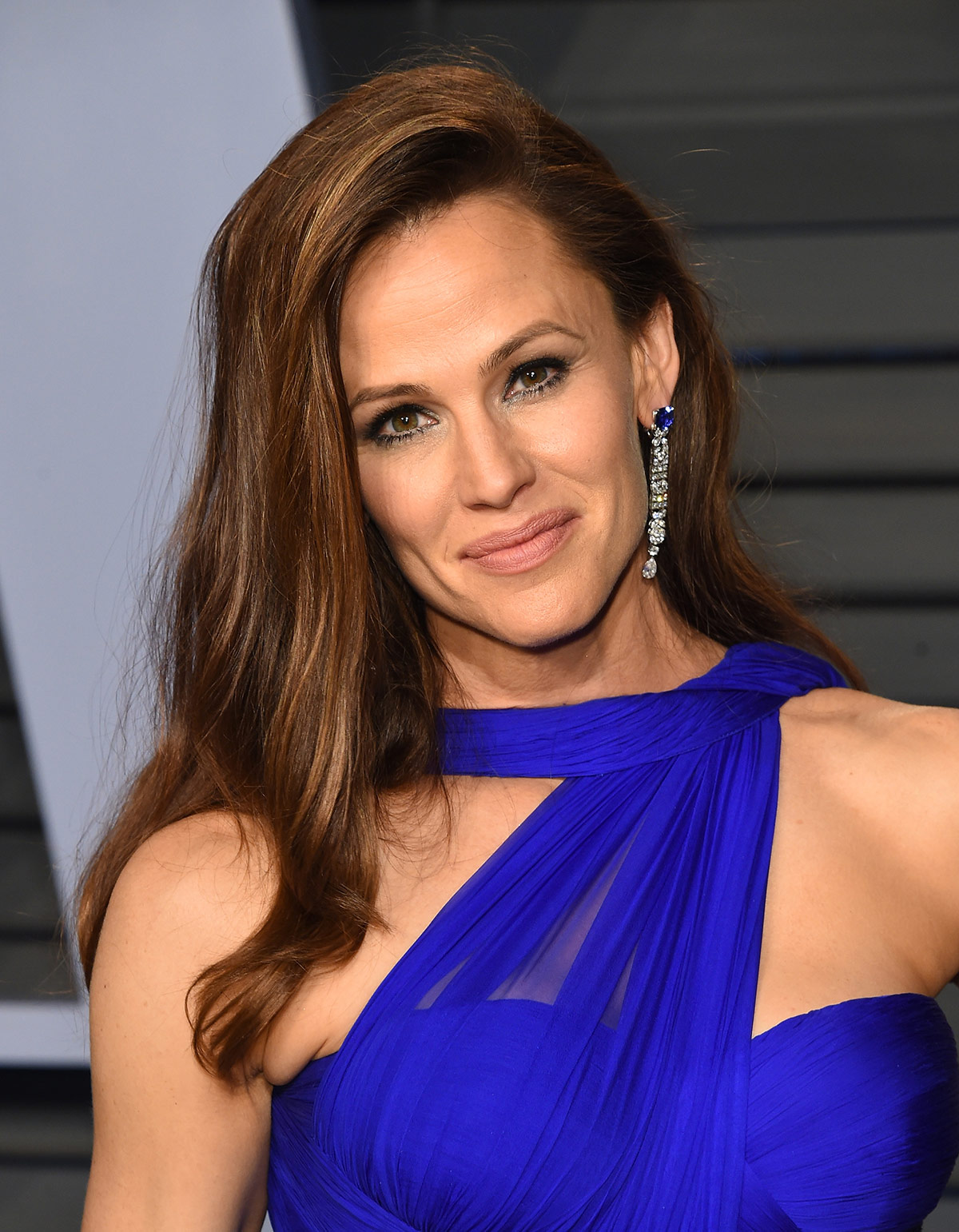 jennifer garner oscars 2018 earrings
