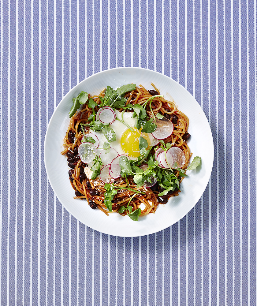 Mexican-Style Noodles with Fried Eggs