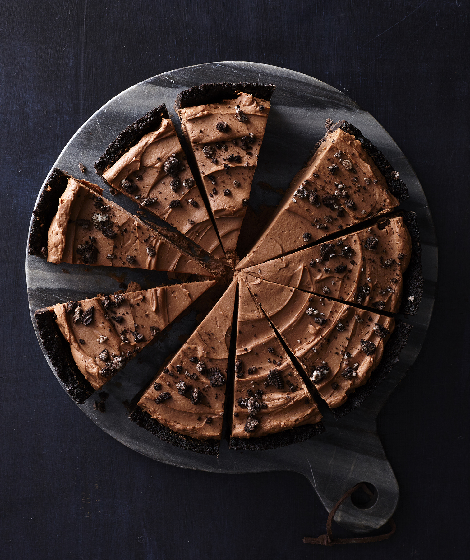 No-Bake Chocolate Mousse Pie With Cookie Crust