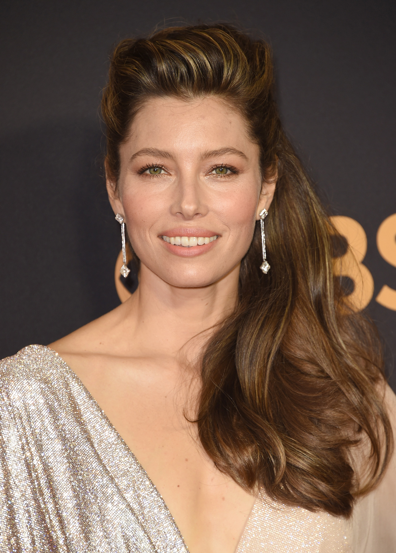 The One Trick Jessica Biel Uses to Fit in a Workout Every Day