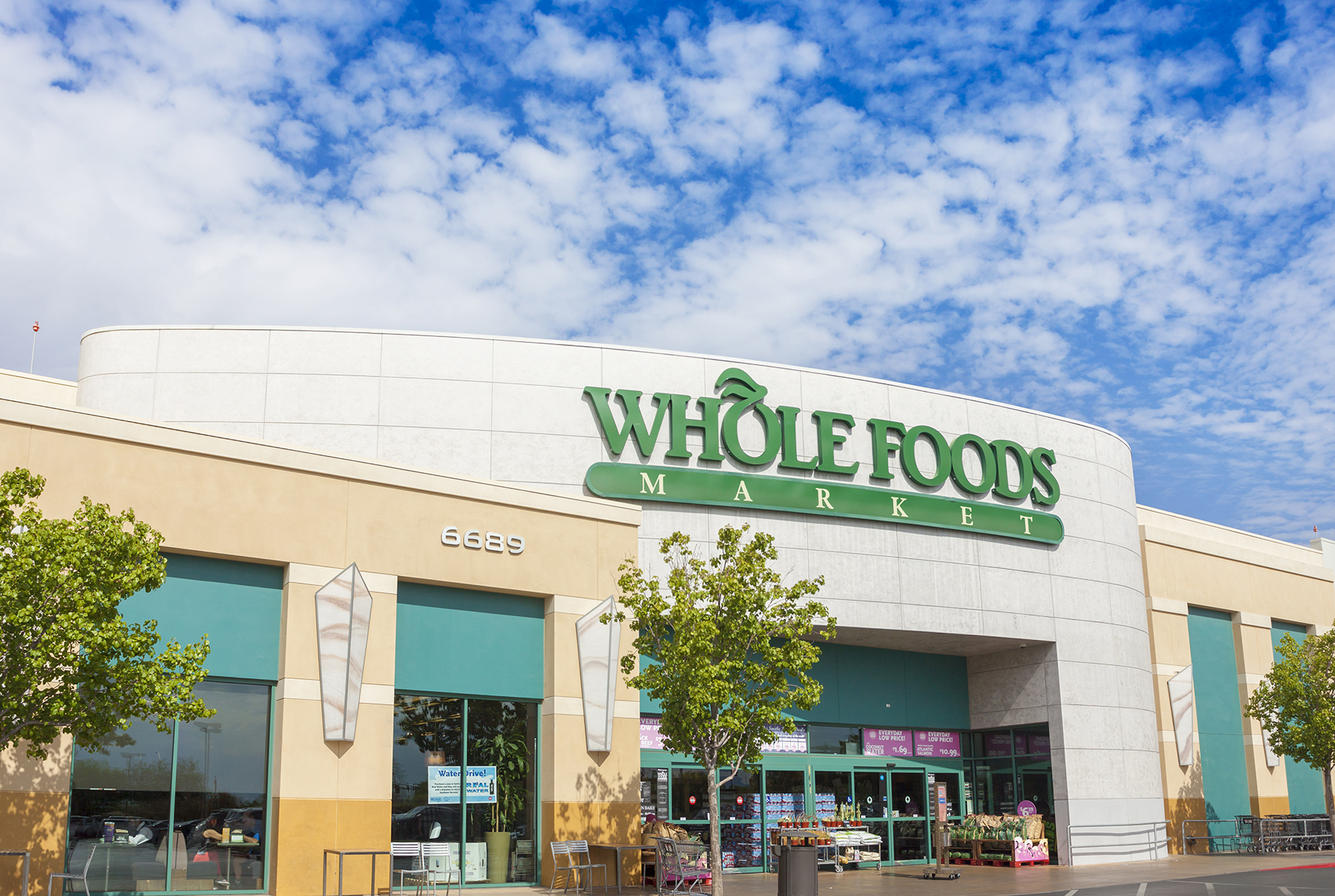 If You Live in These Cities, You Can Now Get Whole Foods Delivered to Your Door in an Hour
