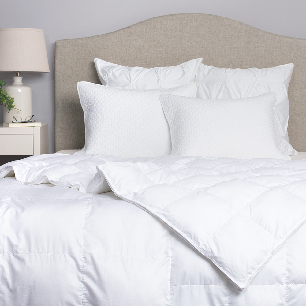 <p>Finally, a Comforter We Can Agree on—and it's Stylish and Cozy, Too</p>