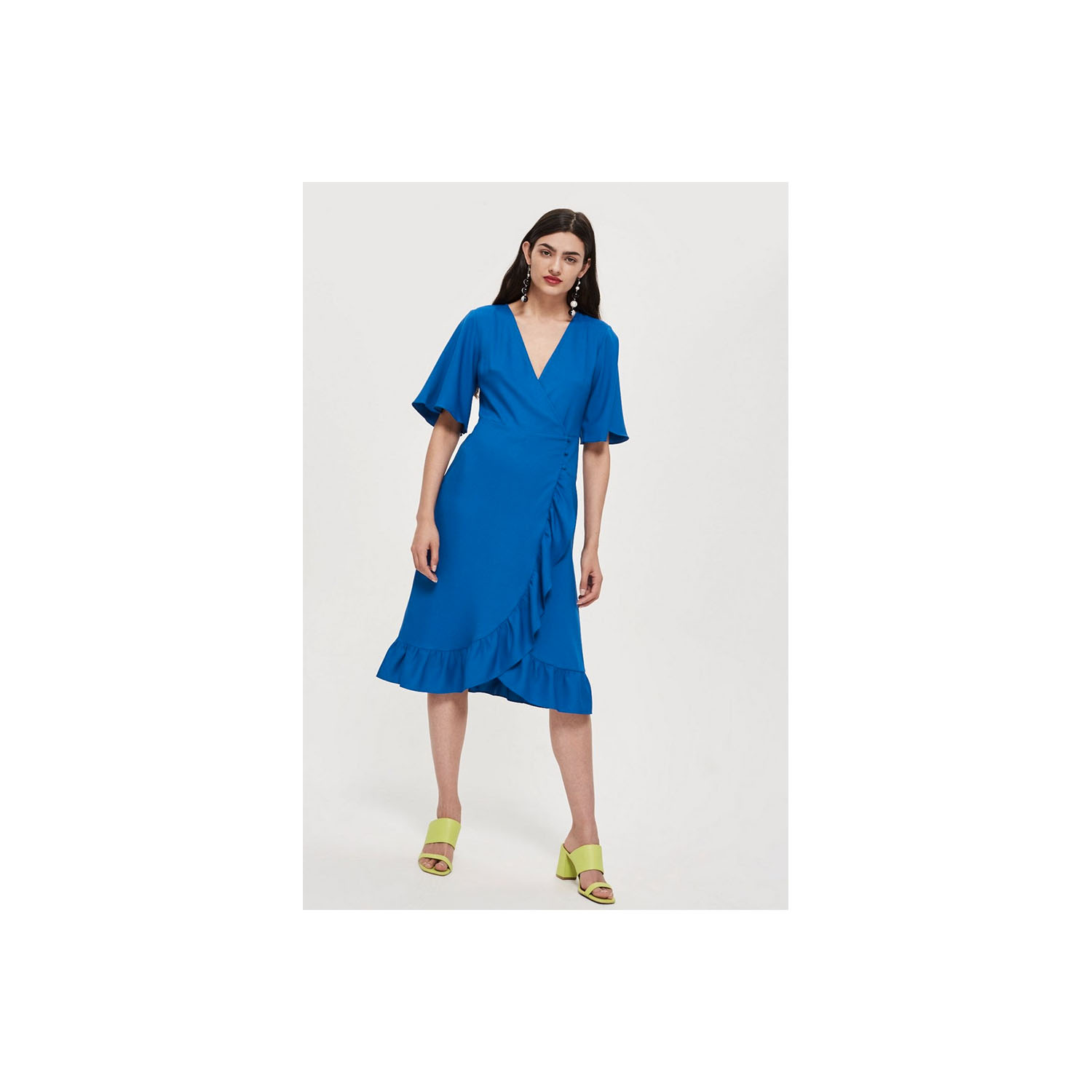 08c01ea247 8 Summer Party Dresses That Only Look Expensive