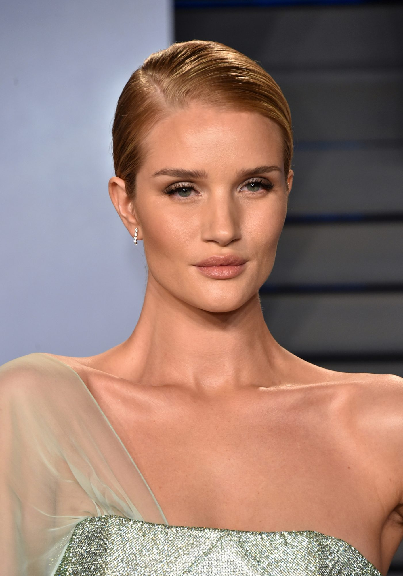 Rosie Huntington-Whiteley Uses This Acne Spot Treatment