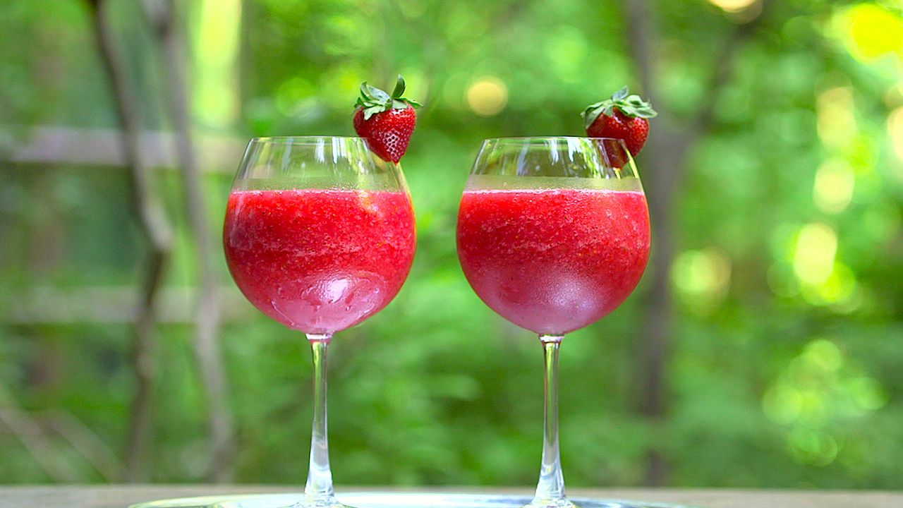 Frosé in wine glasses