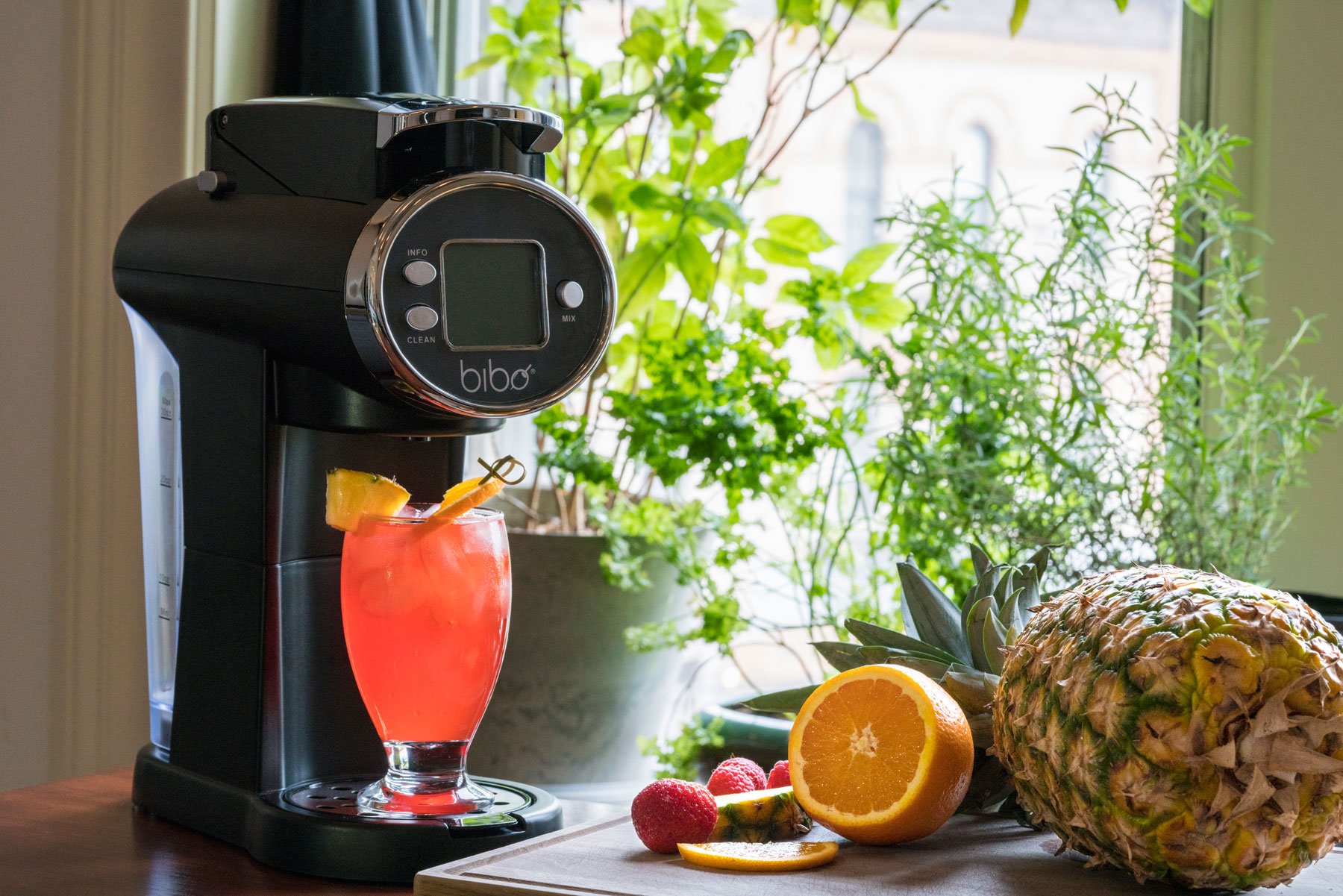 This Robot Bartender Makes Your Favorite Cocktails At Home