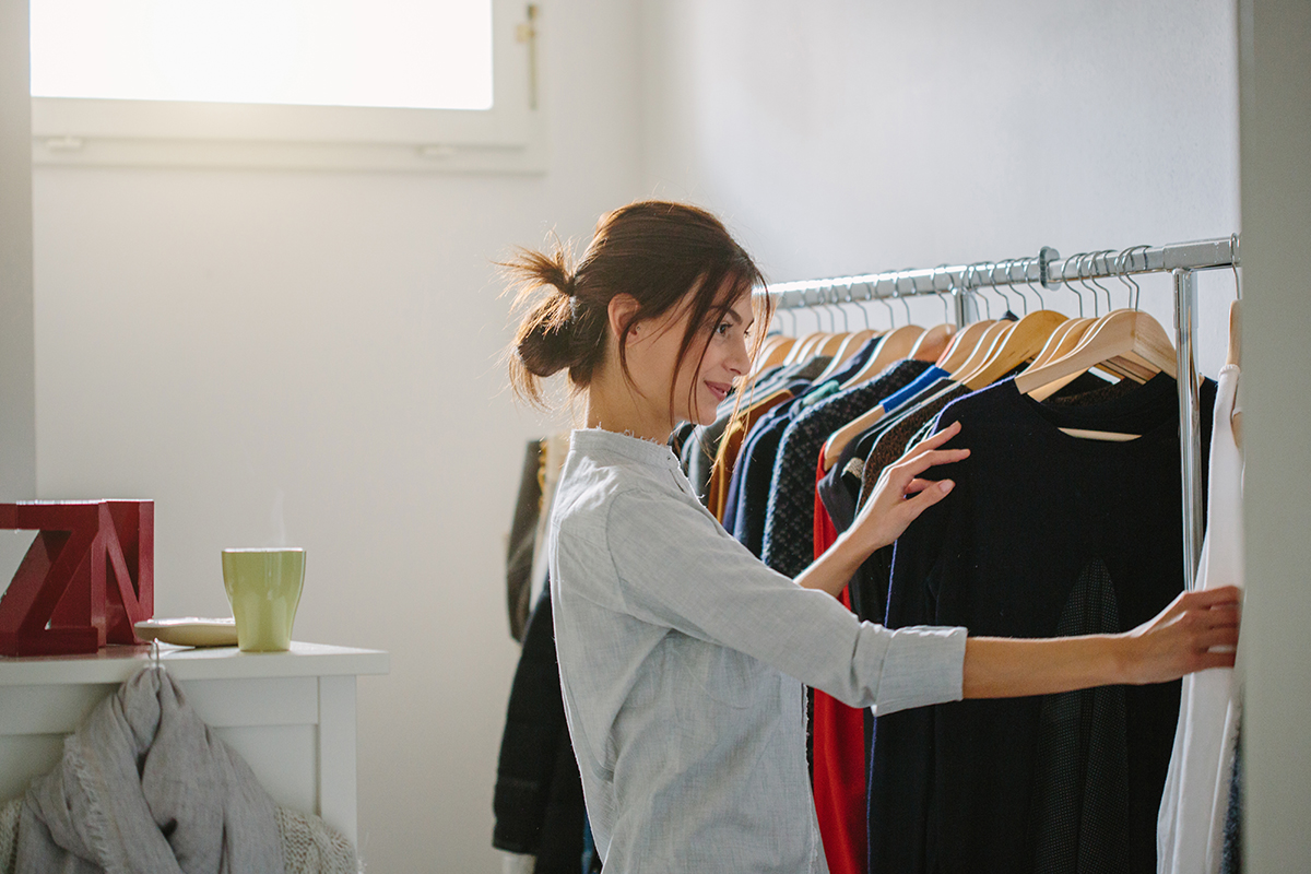 7 Secrets to Selling Your Clothes, According to An Expert