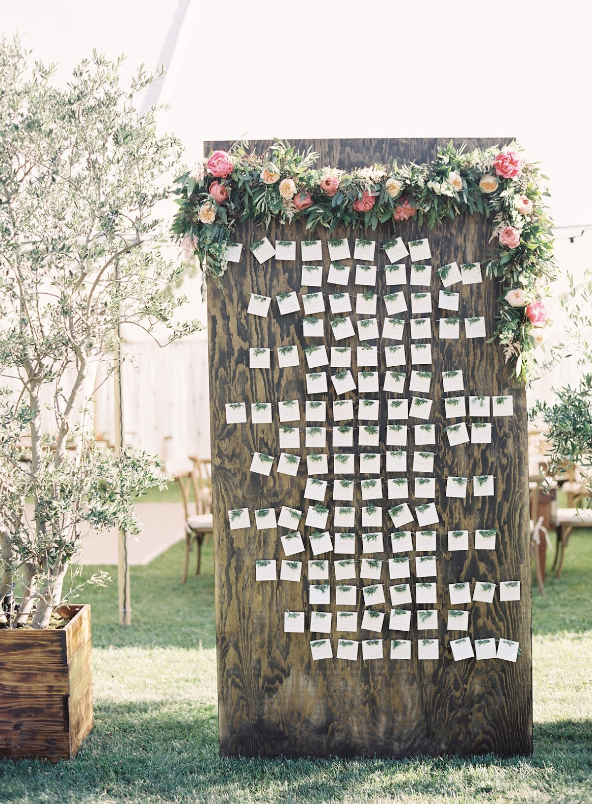 Go Vertical With Escort Cards