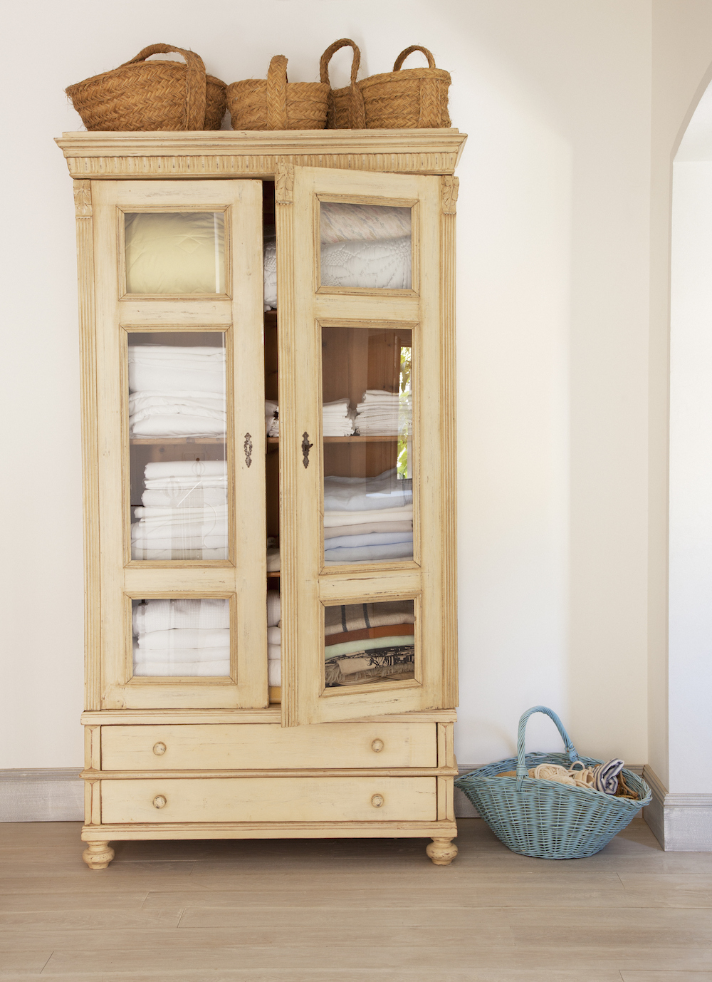 Here's How to Organize Your Linen Closet