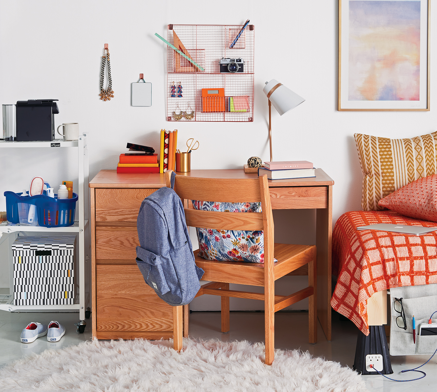 organize this dorm room colorful