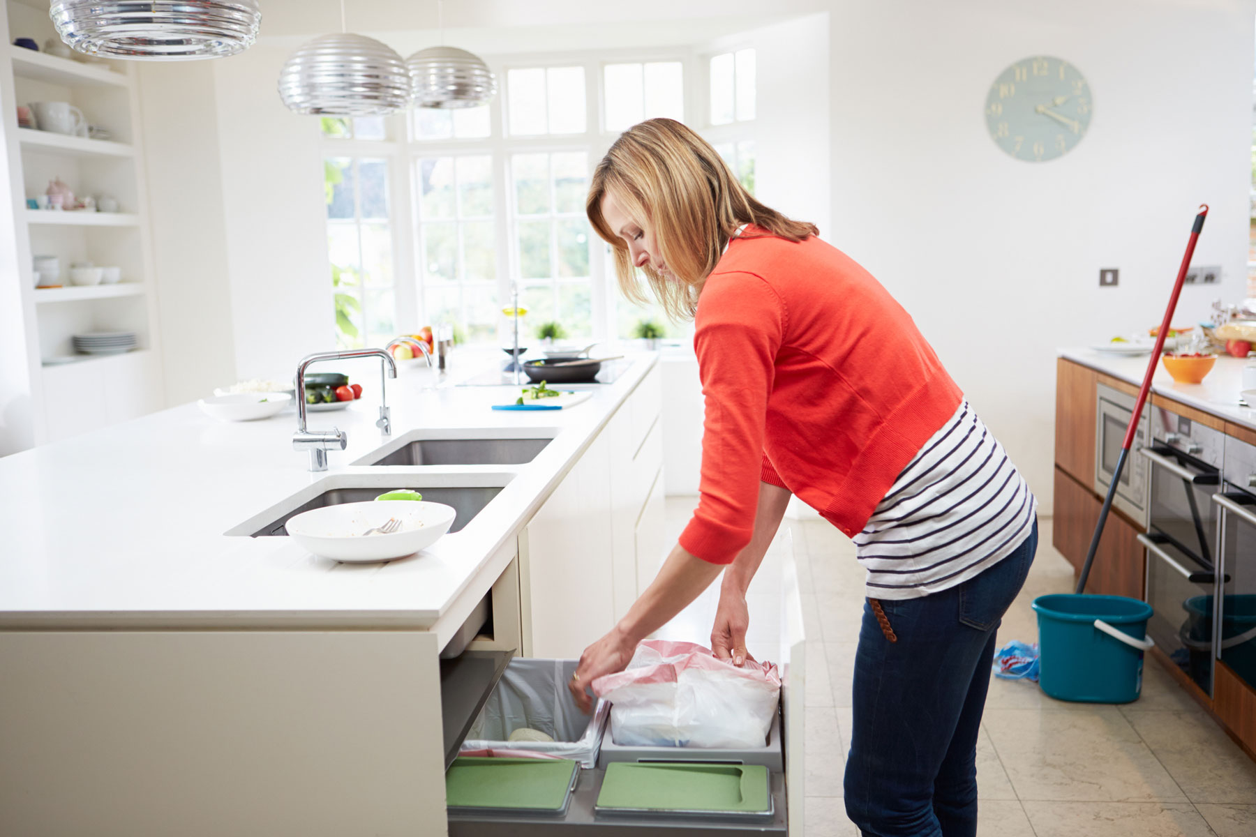 3 Hacks to Keep Your Garbage Can From Smelling Ever Again