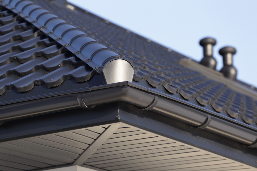 What You Should Know Before Hiring Someone to Work on Your Gutters