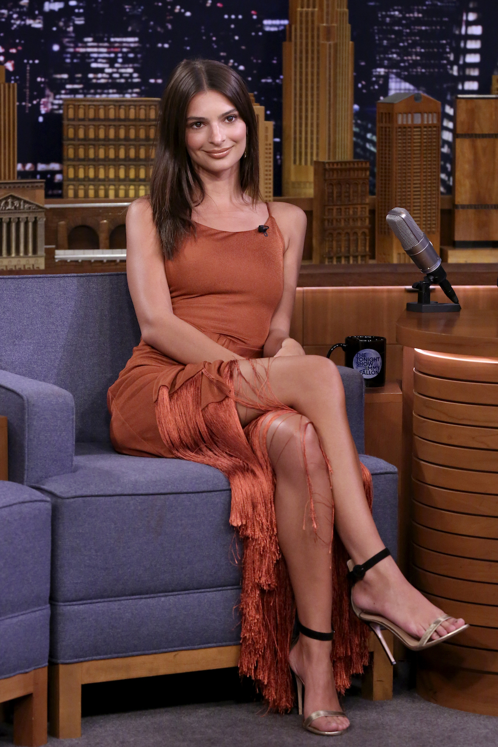 Here Are the Exact Products Emily Ratajkowski Uses to Get Ready in 5 Minutes