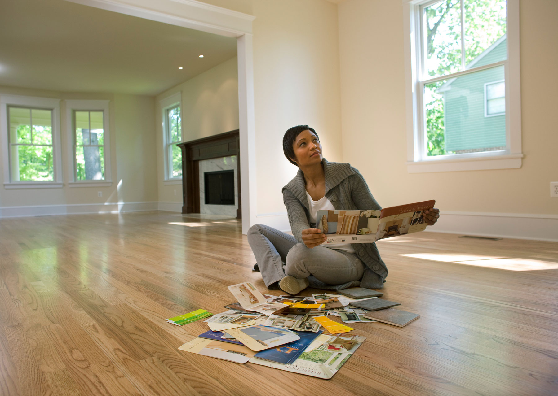 Woman preparing to decorate a room - making a mood board
