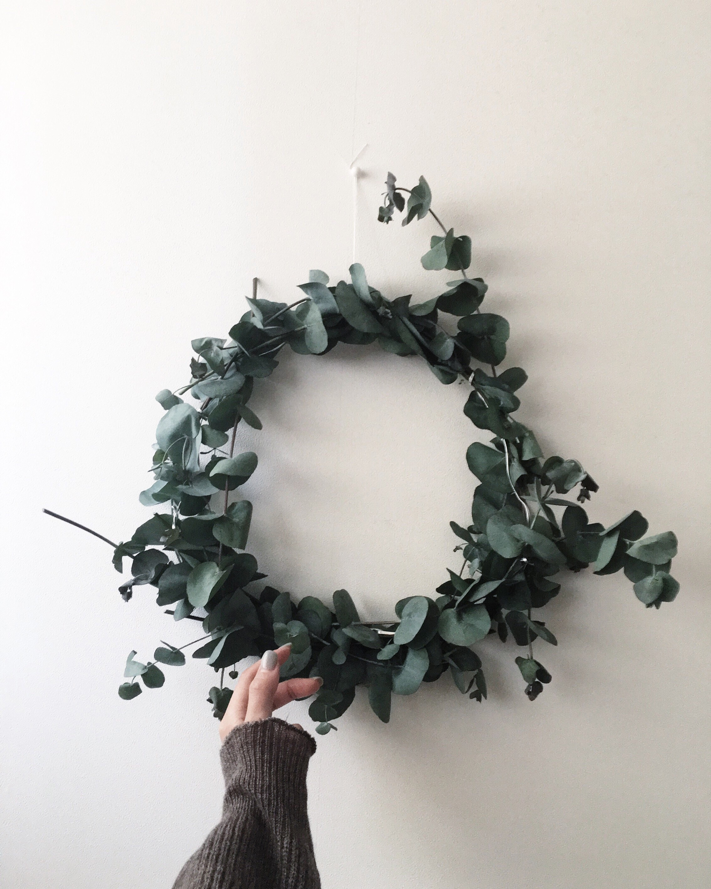Small space holiday decorating ideas wreath