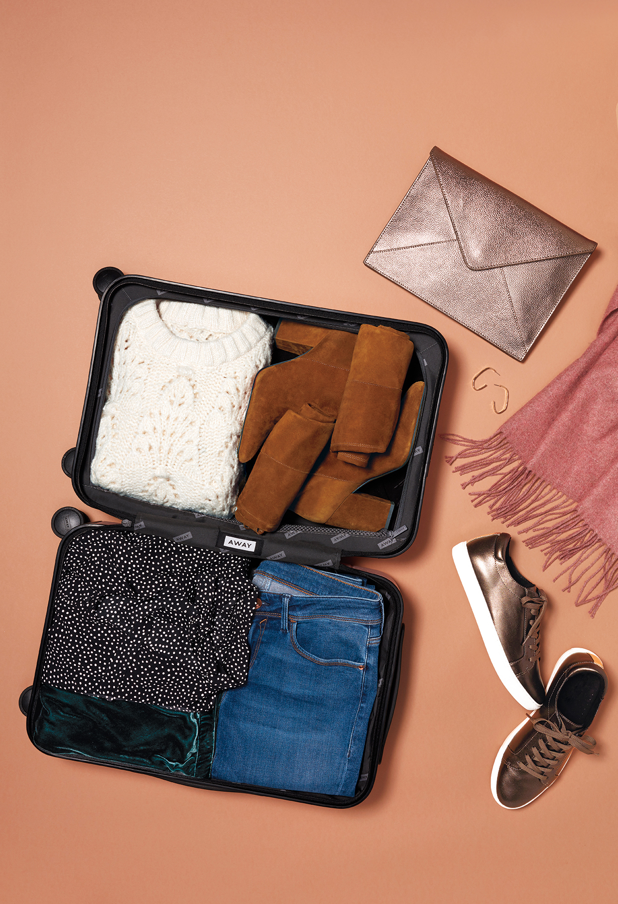 Tout: Holiday Wardrobe That Fits in a Carry-On (1118STY)