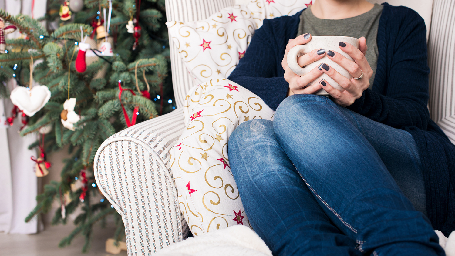 Here's How to Give Your Holidays a Minimalist Makeover—Of Course, it Involves Marie Kondo