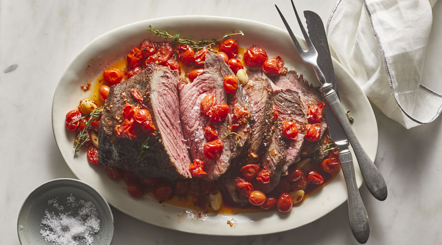 Christmas Roast Beef.Roast Beef With Slow Cooked Tomatoes And Garlic