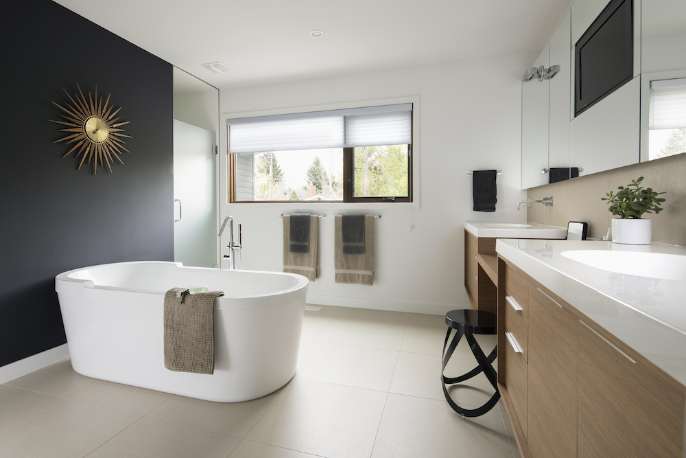 Here's How to Declutter Your Bathroom