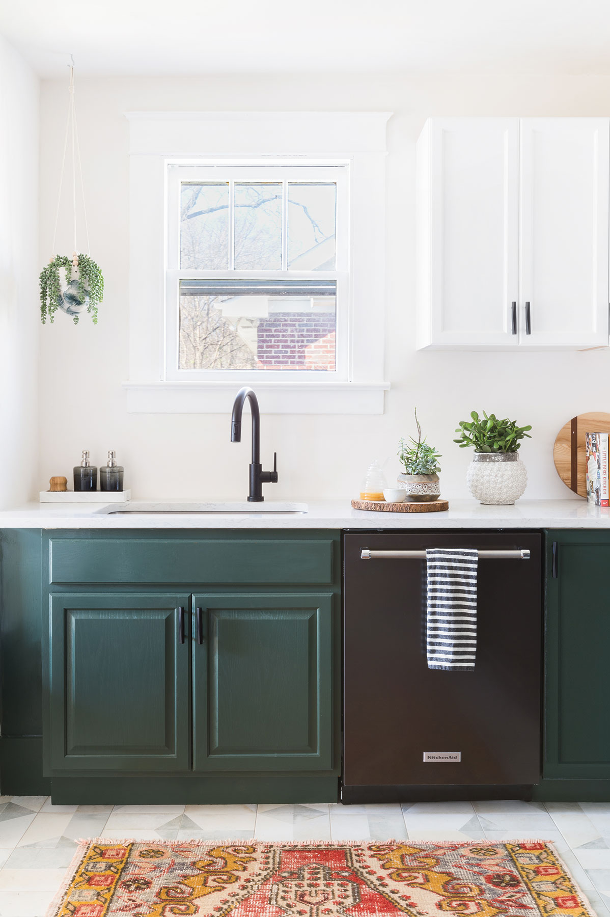 7 Kitchen Cabinet Colors We Can't Stop Swooning Over