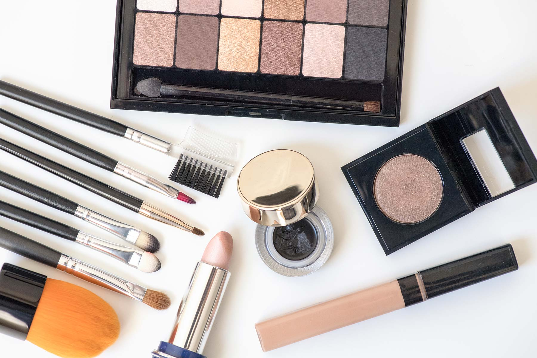 Makeup Linked to Lung Problems