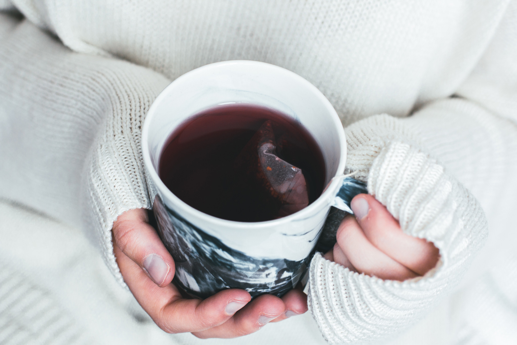 Does Drinking Hot Tea Increase Your Risk of Having Esophageal Cancer? We Asked an Expert