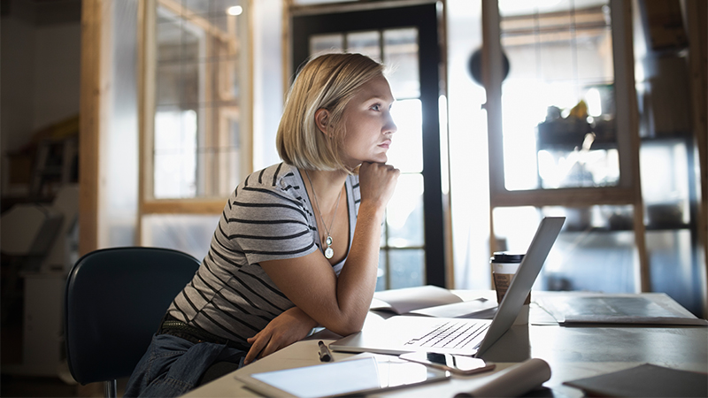 How to Navigate 6 Tricky Work Situations