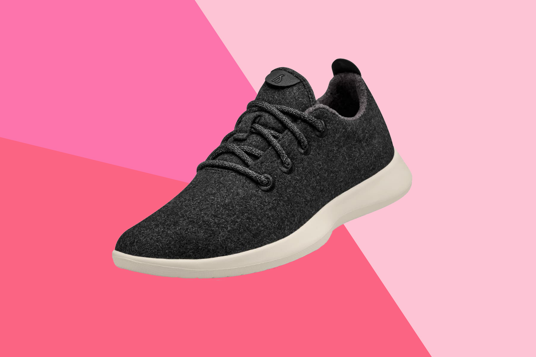 You Can Actually Put These Ridiculously Comfortable (and Stylish!) Sneakers in the Wash