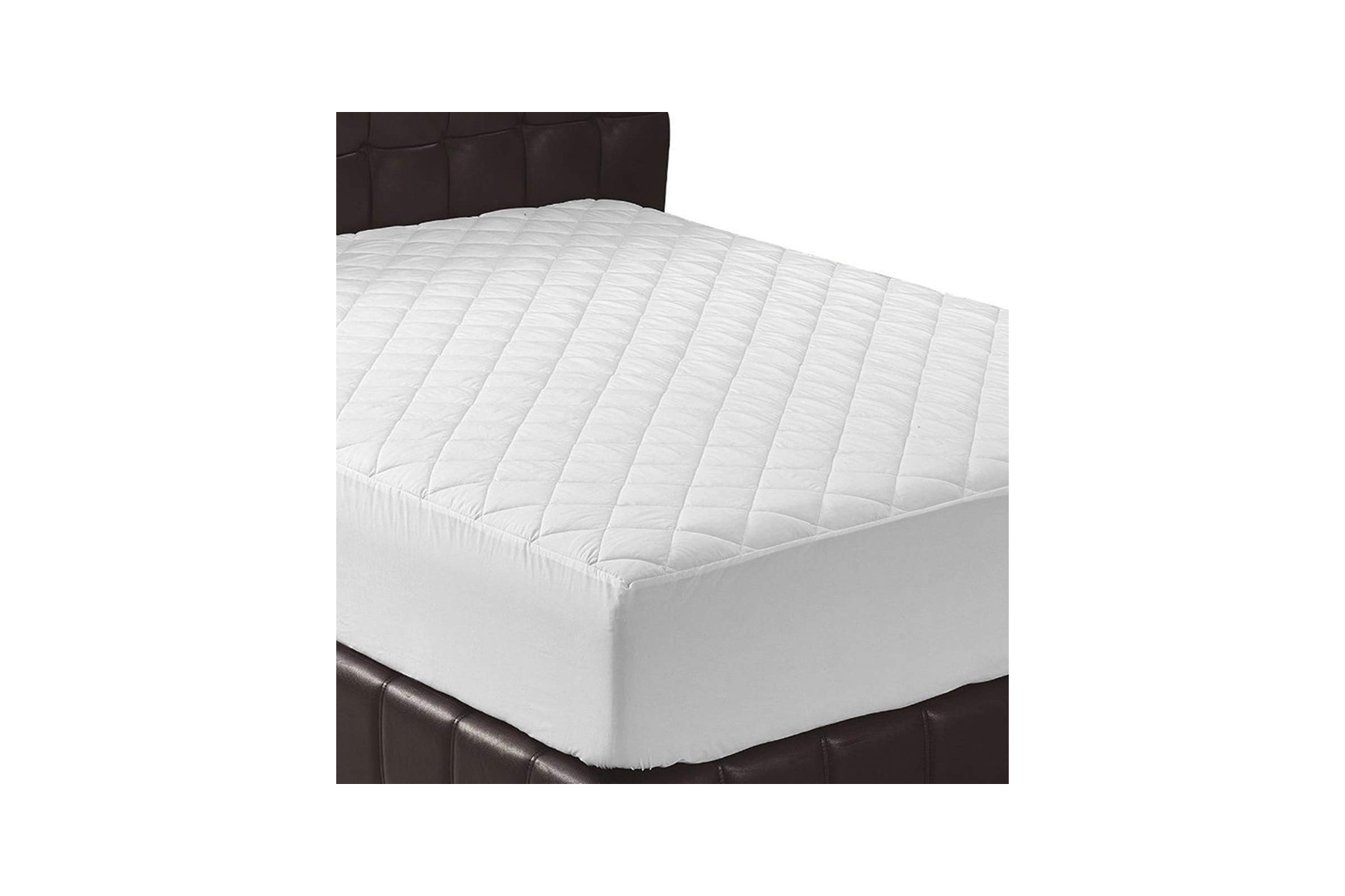 d832cbb37b 11 Top-Rated Mattress Pads That Are So Comfortable, You'll Feel Like You're  Sleeping on a Cloud