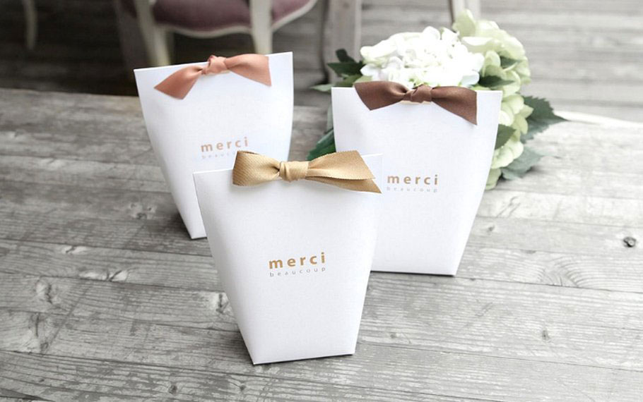 13 Charming Wedding Favor Ideas Your Guests Won T Toss