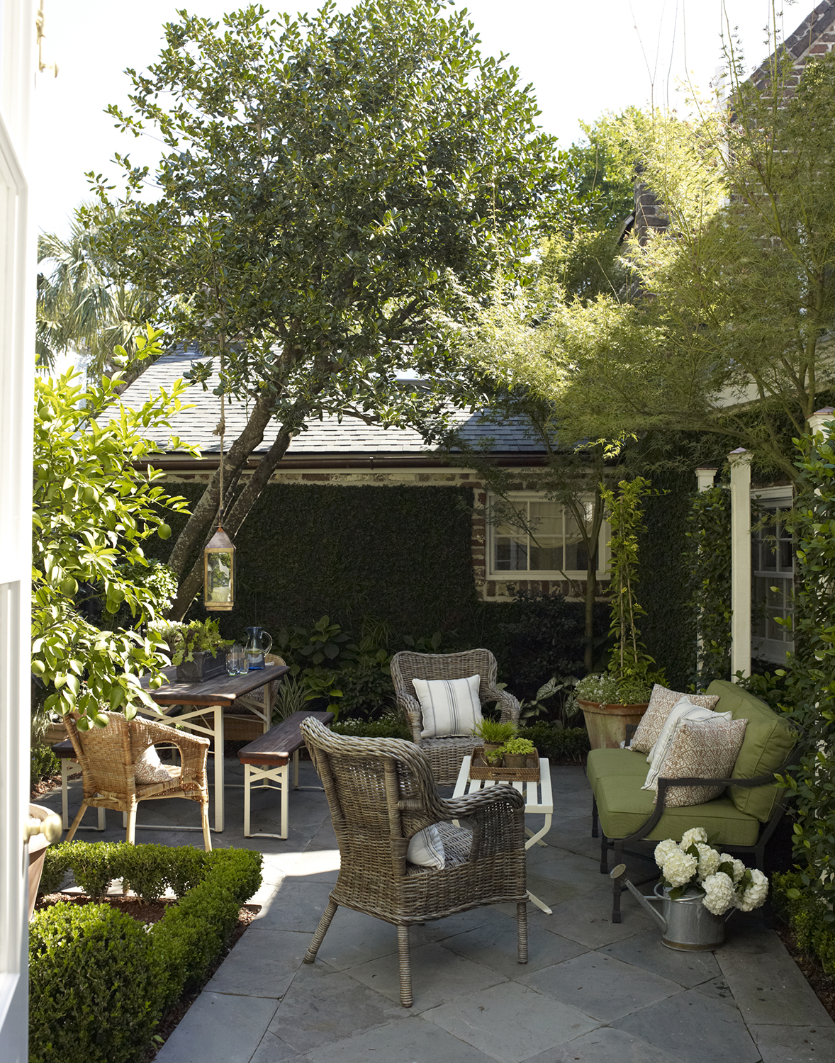 7 Designer-Approved Patio Decorating Tips