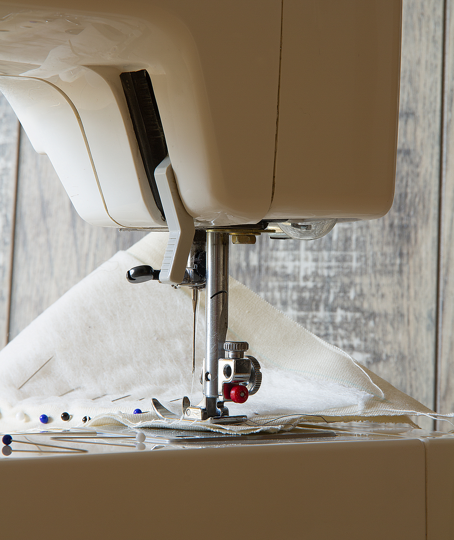 Sewing machine foot with fabric