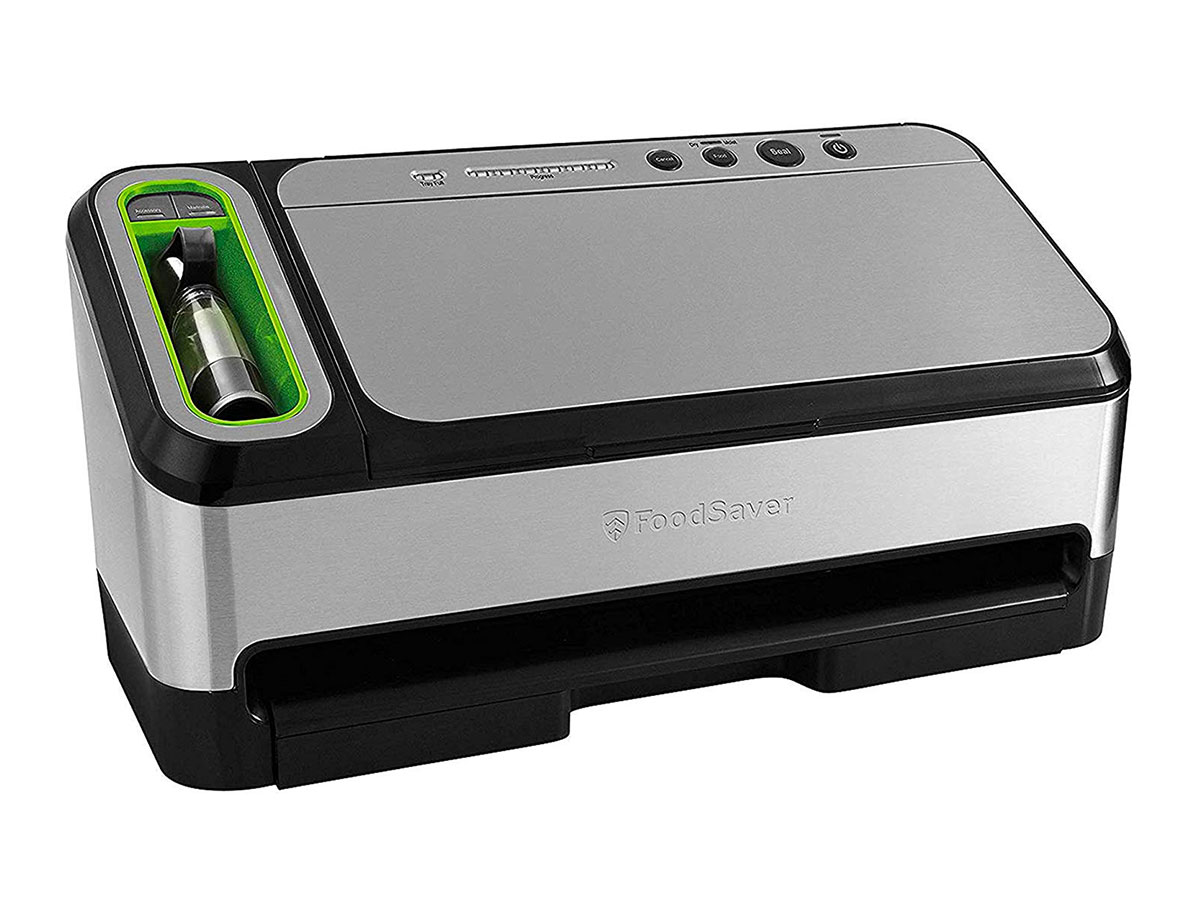 FoodSaver V4840 2-in-1 Vacuum Sealer Machine with Automatic Bag Detection and Starter Kit