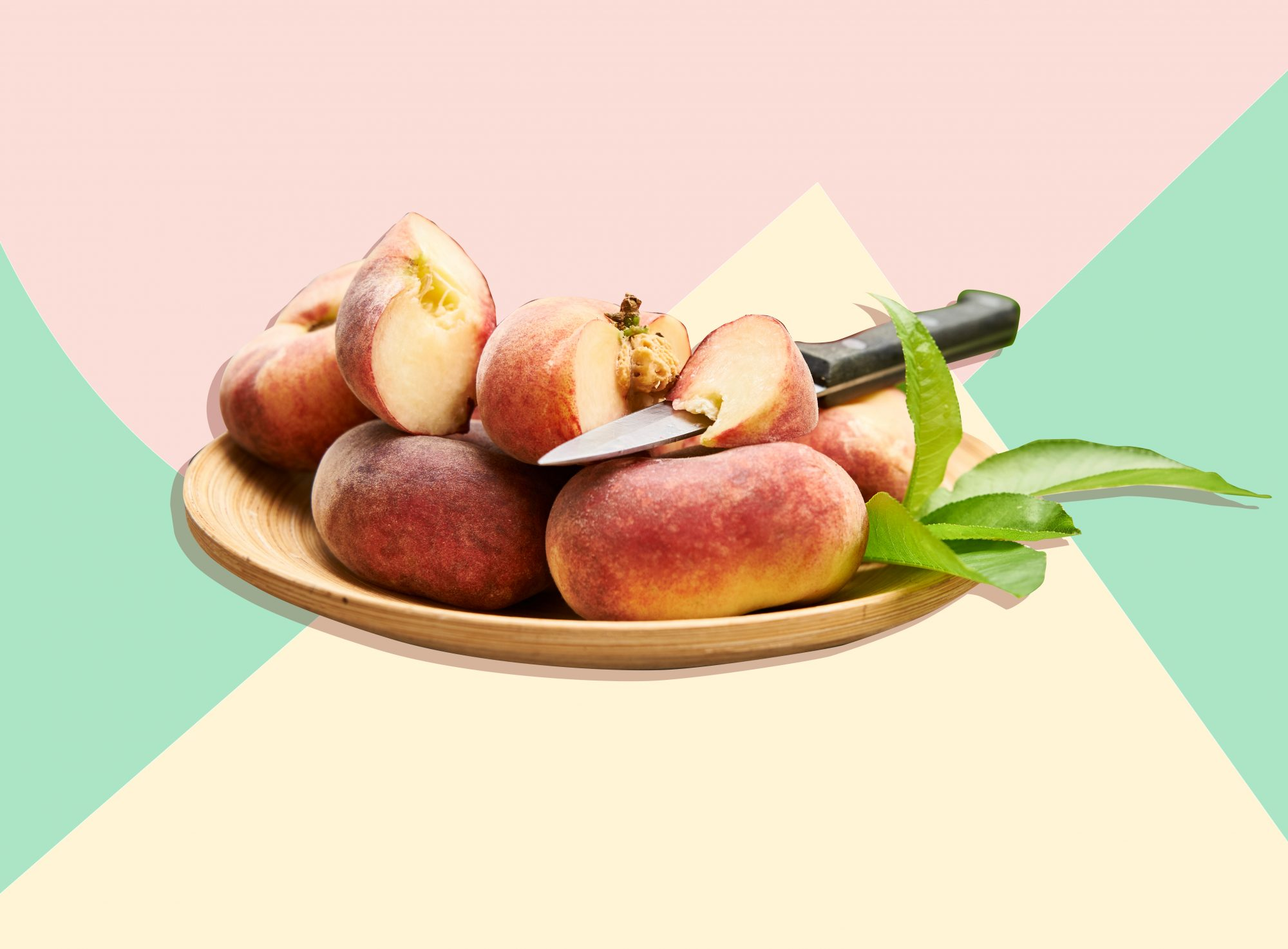 The Best Way to Pick and Store Ripe Peaches
