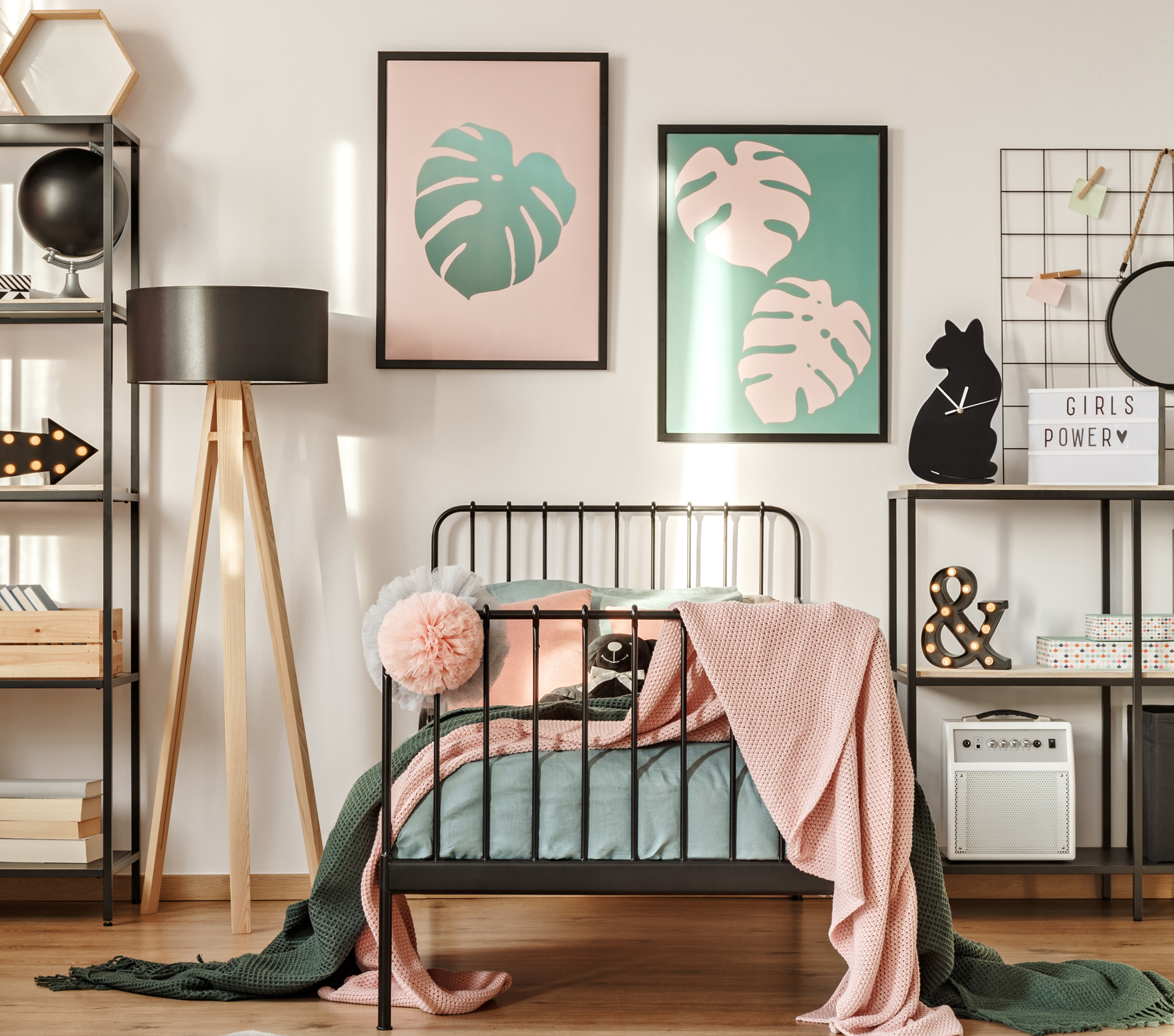6 Sharp Dorm Room Ideas Even Your New Roommate Will Like