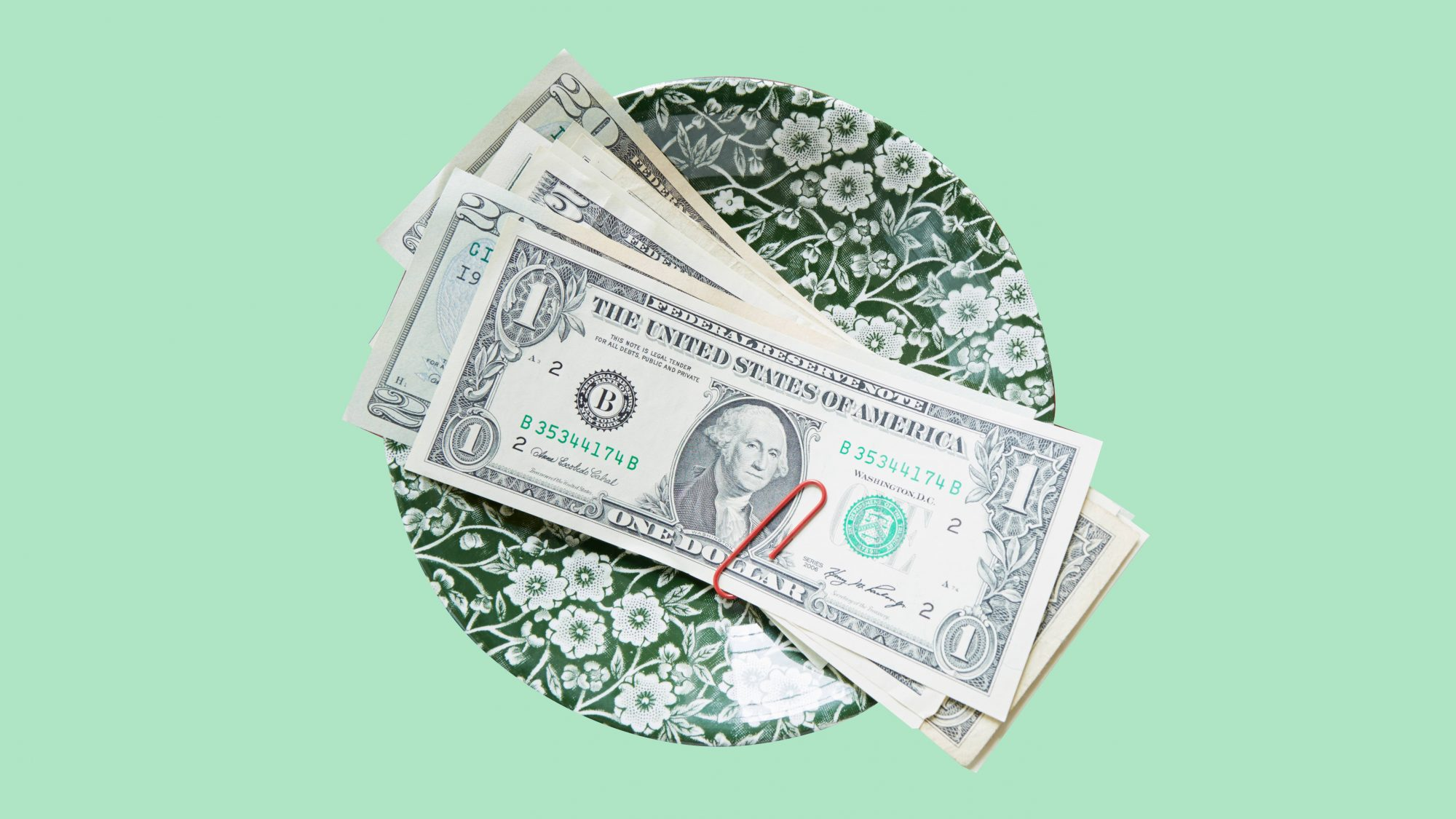 When to tip with cash - Situations to leave cash tips