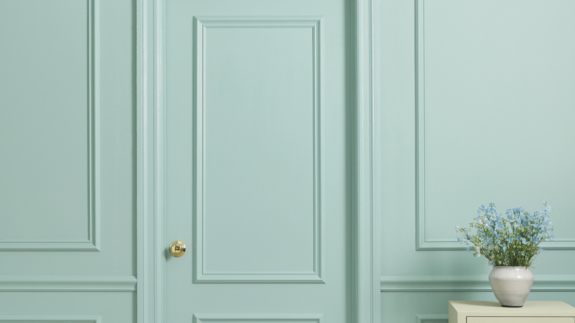 How to Pick the Perfect Trim Paint Color, blue green paint