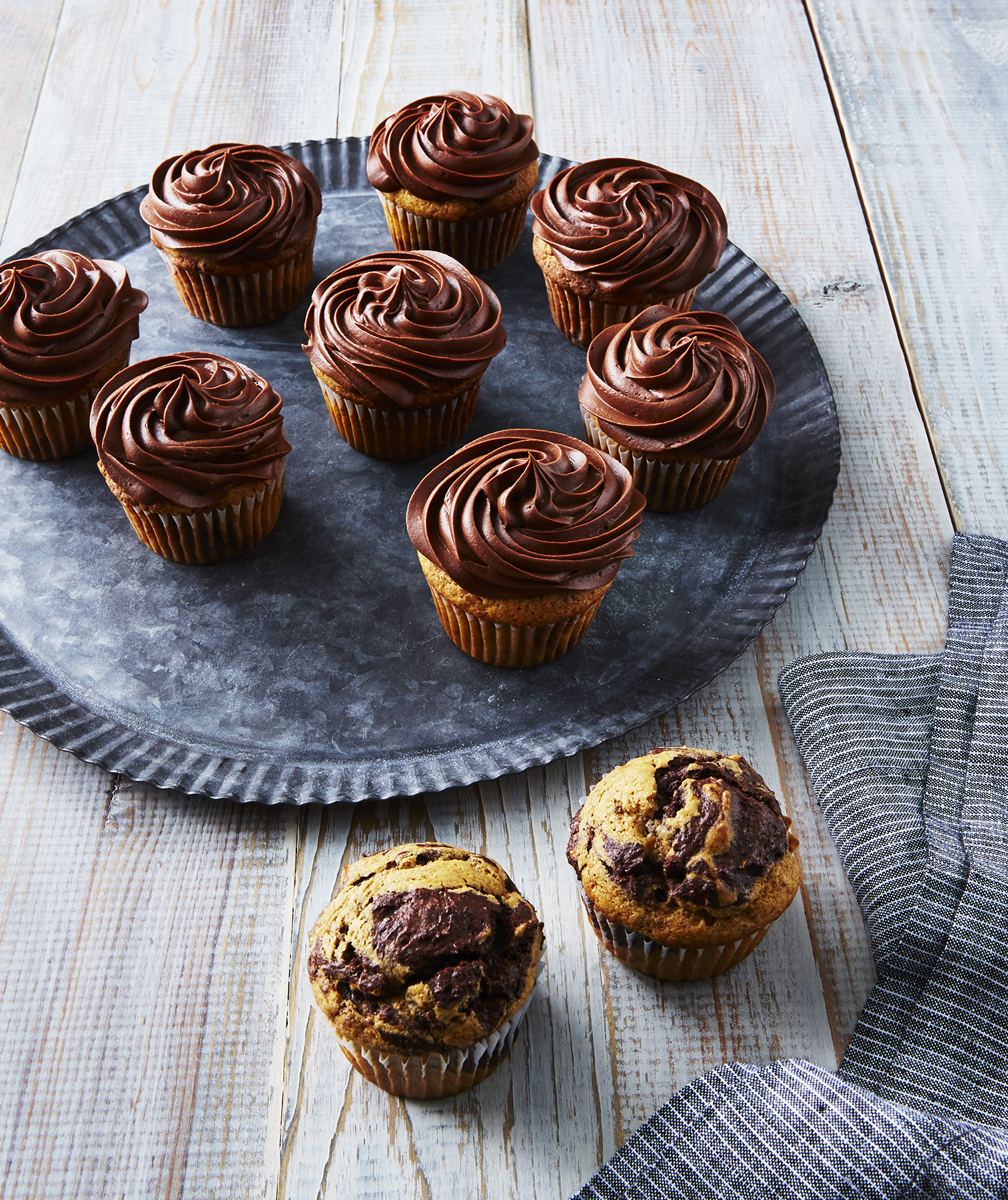 Pumpkin Chocolate Swirl Cupcakes